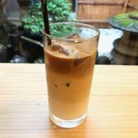 narairoカフェのアイスカフェラテ