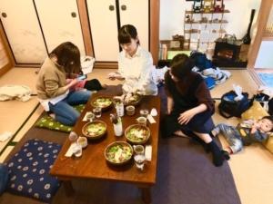 narairoカフェでベビーマッサージ糸さん