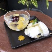 フルーツジュレとヨーグルトアイスの デザートプレート