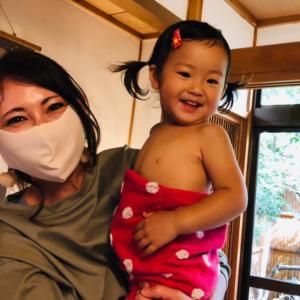 narairoカフェでベビーマッサージ糸さんの講習